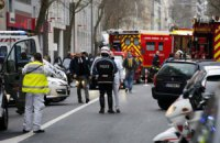 У Парижі знову стріляли, а в Ліоні стався вибух біля мечеті