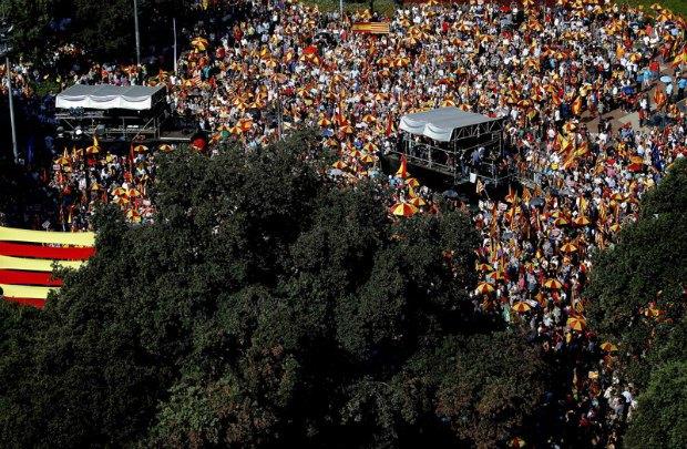 Сторонники единства Испании в Барселоне