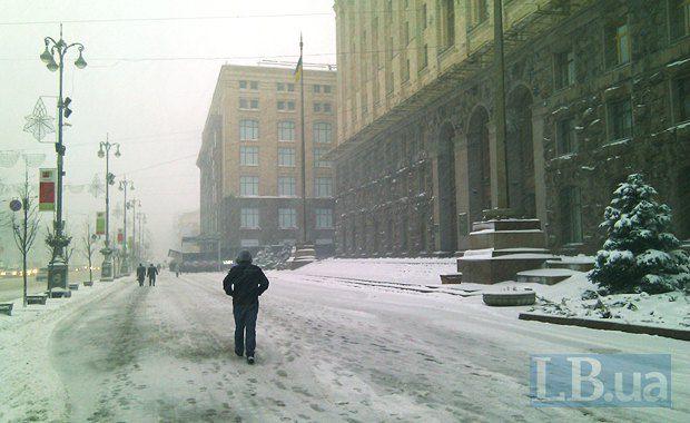 Такое ощущение, что снегоуборочные машины работают только возле КГГА...