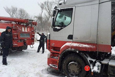 Более тысячи человек спасатели освободили из снежных заносов на юге Украины