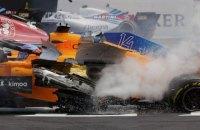 В Формуле 1 на старте Гран-При Бельгии произошла массовая авария (обновлено)