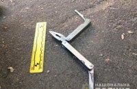 Грабіжник, погрожуючи ножем, примусив киянина зняти гроші з банкомата