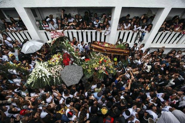 Похороны танцора, убитого в Рио-де-Жанейро
