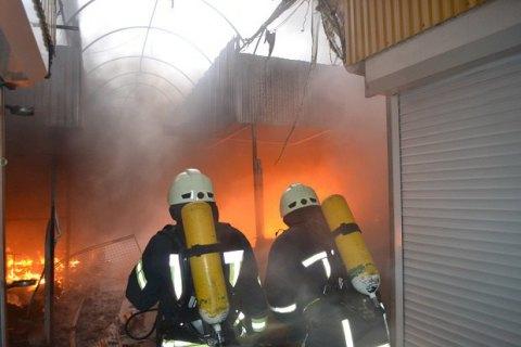 """В результате пожара на рынке """"Северный"""" в Одессе сгорели 143 павильона"""