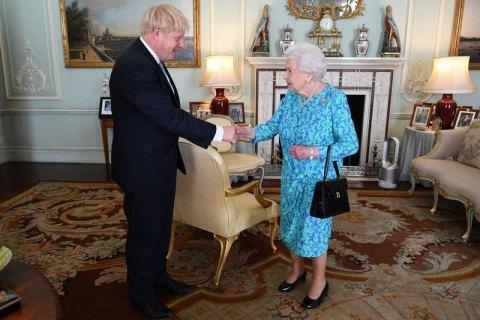 Sunday Times: Елизавета II разочарована британским политиками