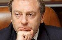Лавринович не может запретить чиновникам приводить во власть детей