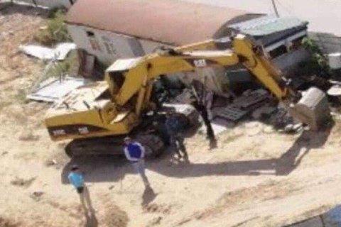 В Киеве на стройплощадке взорвали экскаватор
