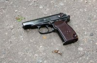 В Ровно во время несения службы застрелился полицейский