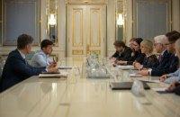 Зеленський запевнив, що Україна буде продовжувати рухатися в Євросоюз і НАТО