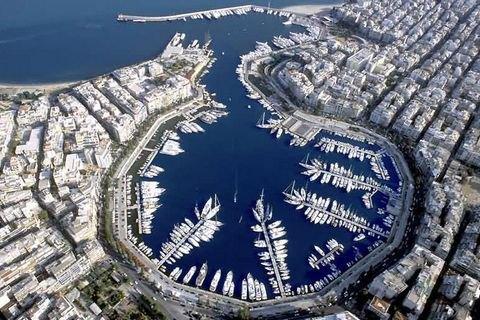 Греція продала китайцям порт Пірей
