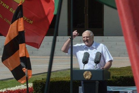 Лукашенко привел армию в полную боевую готовность