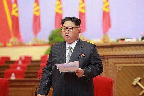 """Ким Чен Ын пригрозил Японии """"ядерными тучами"""""""