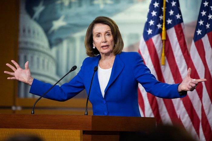 Спикер палаты представителей США Нэнси Пелоси во время пресс-конференции, 31 января 2019.