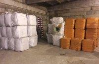 В порту Одессы изъяли 30 тонн контрабандной зимней одежды из Китая