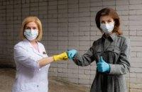 Марина Порошенко передала Олександрівській лікарні Києва ще 5 відремонтованих апаратів ШВЛ