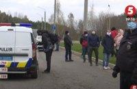 """Украинцы, которые вернулись из Европы через """"Ягодин"""",  прямо на границе устроили протест против обсервации"""