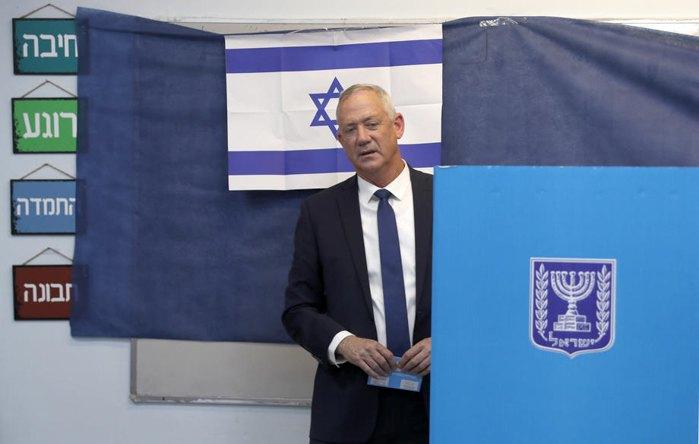 Бенни Ганц во время голосования на участке в Тель-Авиве, Израиль, 17 сентября 2019