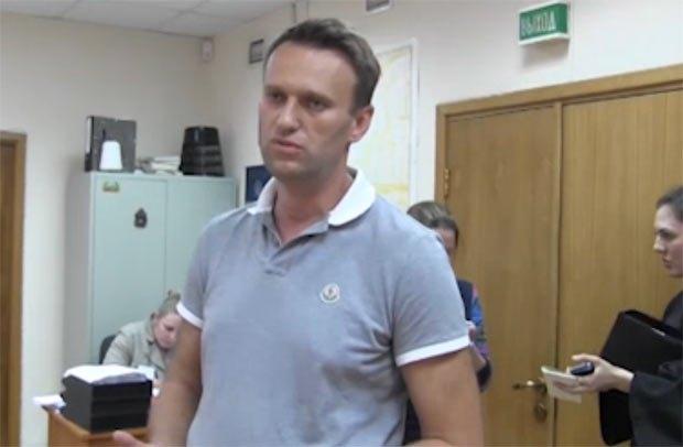 Алексей Навальный после заседания суда