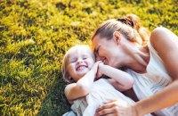 """Порошенко присвоил 616 женщинам звание """"Мать-героиня"""""""