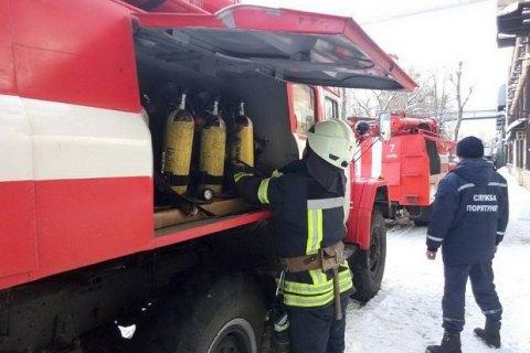 На заводі в Києві сталися вибух і пожежа