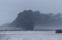 В Канаде с рельсов сошел перевозивший нефть поезд