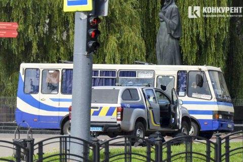 У Луцьку чоловік із вибухівкою захопив автобус із пасажирами (оновлено)