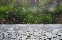 Завтра в Україні невеликі дощі, температура 10°-14°