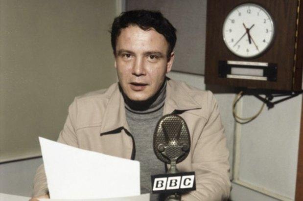 Владимир Буковский читает отрывки из своей автобиографии в студии Би-би-си, 1978 год.