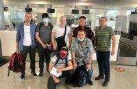 Захваченные пиратами у берегов Нигерии моряки вернулись в Украину