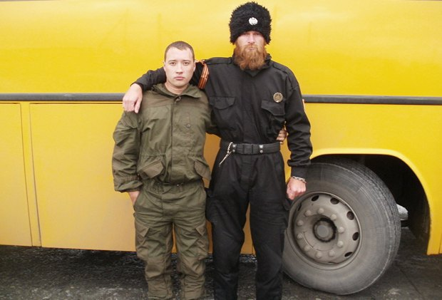 Aleksandar Sindelic (right) among separatists on the occupied territory of Ukraine