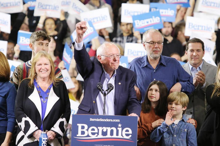 Sanders addresses supporters in Vermont