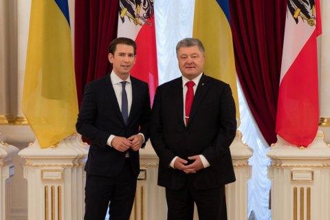 Kurz, Poroshenko discuss Donbas, sanctions against Russia
