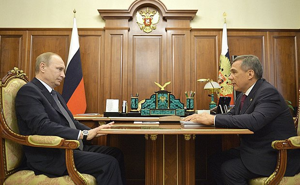 Vladimir Putin and Rustam Minnikhanov during a meeting in the Kremlin