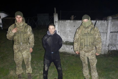 """""""Diver"""" caught smuggling facemasks to Romania by river"""