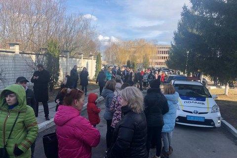 Residents of Lviv suburbs block motorway out of fear of coronavirus