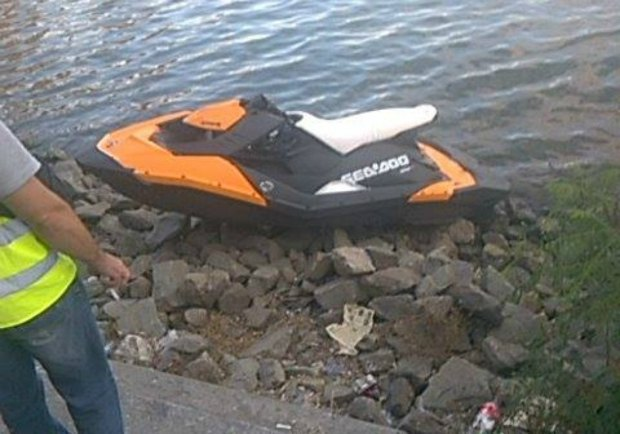 The water scooter from the site of the incident