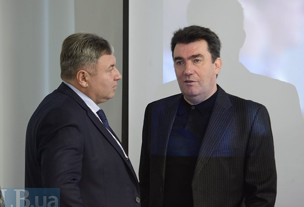 Yuriy Harbuz (left) and the head of the first national portal of open-source information on cities and districts of Ukraine, Oleksiy Danylov