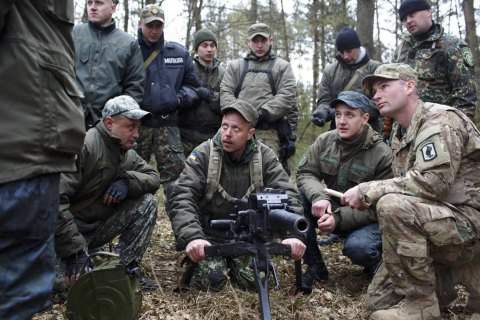 Pentagon offers plan to arm Ukraine