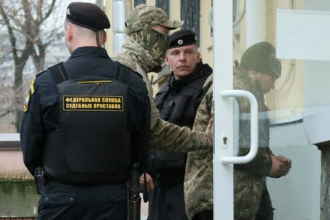 Lawyer confirms 24 captured Ukrainian sailors moved to Moscow