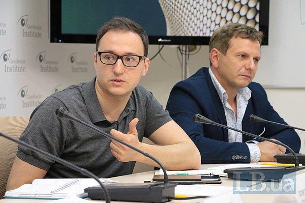 Oleksiy Ryabchyn (left)