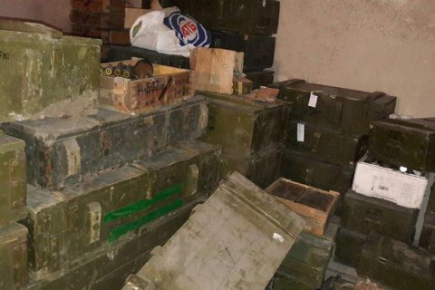 Law enforcers seize ammo from ATO zone at Dnipro-1 regiment base