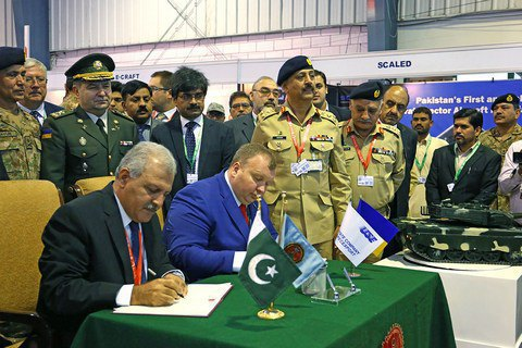 Ukraine, Pakistan sign 600m-dollar arms memo