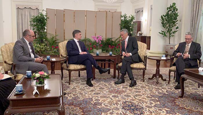 Vadym Prystayko and Singaporean Prime Minister Lee Hsien Loong, 13 January 2020