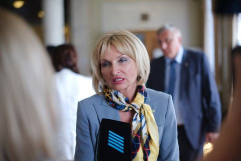 MP Iryna Lutsenko gives up MP seat