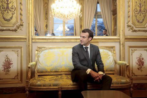 Macron to receive Poroshenko, Zelenskyy on 12 April