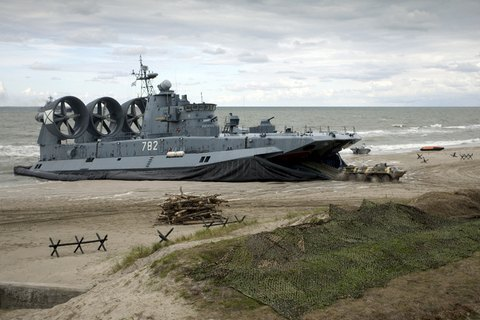 Russian military exercise at Ukrainian border enters active phase