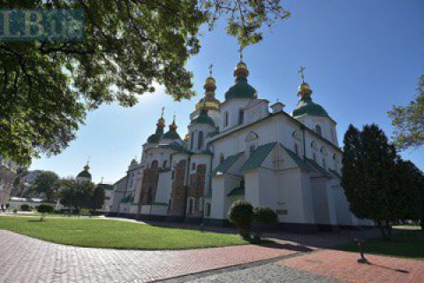 The walls of St. Sophia Cathedral, Kyiv, will be dried using Swiss technology