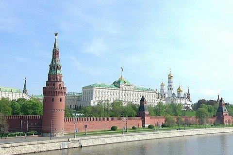 Putin imposes sanctions against Ukraine