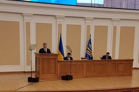 Poroshenko pledges referendums on EU, NATO membership