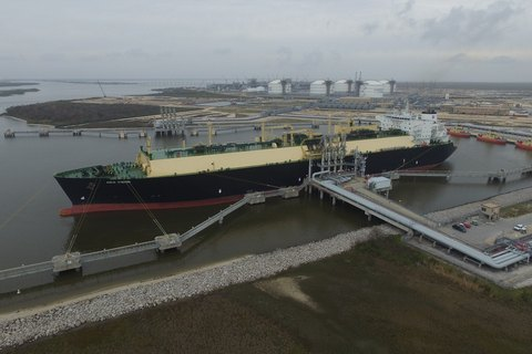 USA begins gas supplies to Europe